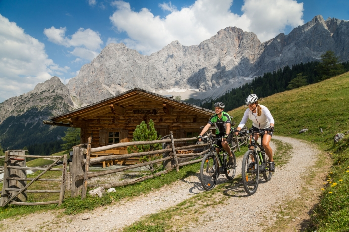 E-bike and mountain bike tours to the Ramsauer Almen region